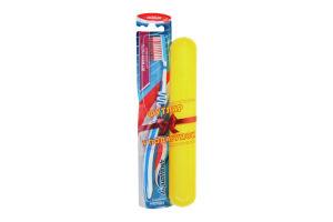 Зубная щетка средней жесткости Interdental Aquafresh