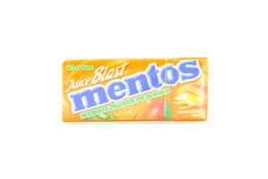 Резинка жевательная Тропический Микс Juice Blast Mentos к/у 15г