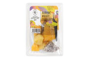 Салат десертный ананас манго питахайя