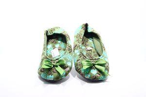 Тапочки-чешки комнатные женские Twins Цветы 40 зелёные