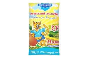 Молоко 3.3% пастеризованное Веселий Ласунчик м/у 900г