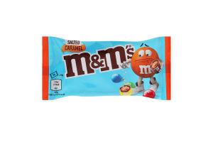 Драже в молочном шоколаде покрытое разноцветной глазурью Salted Caramel M&M`s м/у 36г