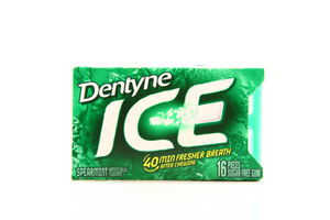 Жувальна гумка Dentyne Ice Spearmint 24г 16шт