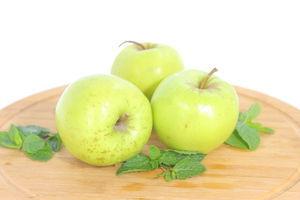 Яблуко Голден Україна 65-70+