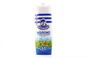 Молоко 2.5% ультрапастеризованное Простоквашино т/п 1000г