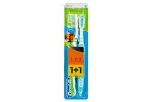 Зубная щетка Натуральная свежесть Oral-B 1+1шт