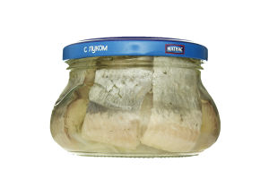 Сельдь филе-кусочки с луком Санта Бремор с/б 260г.