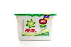Средство д/стирки Ariel Active Gel Capsules Mountain Spring п/б 16*35г/560г