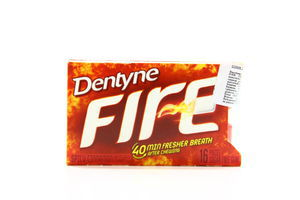 Жувальна гумка Dentyne Fire Spicy Cinnamon 24г 16шт