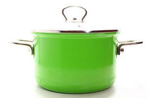 Каструля сталева емальована зелена зі скл. кришкою 18см 2,6л